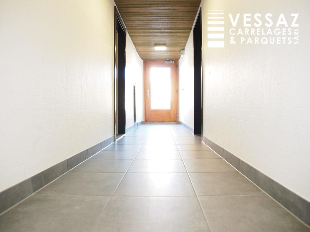 Rénovation d\'un couloir d\'entrée de bâtiment à Avenches - Vessaz ...